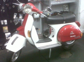 Red-White-LML-Scoot-dr