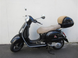 Black-Vespa-GT200-Keith